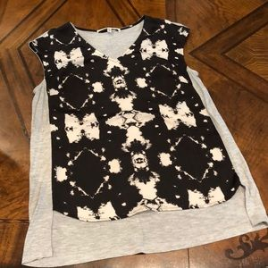 Collective Concepts top black and gray size small